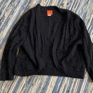 Women's black knit shrug Large by hearts of palm